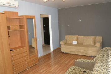 1-комн. квартира, 35 кв.м. на 4 человека, улица Богданова, 17, Севастополь - Фотография 2