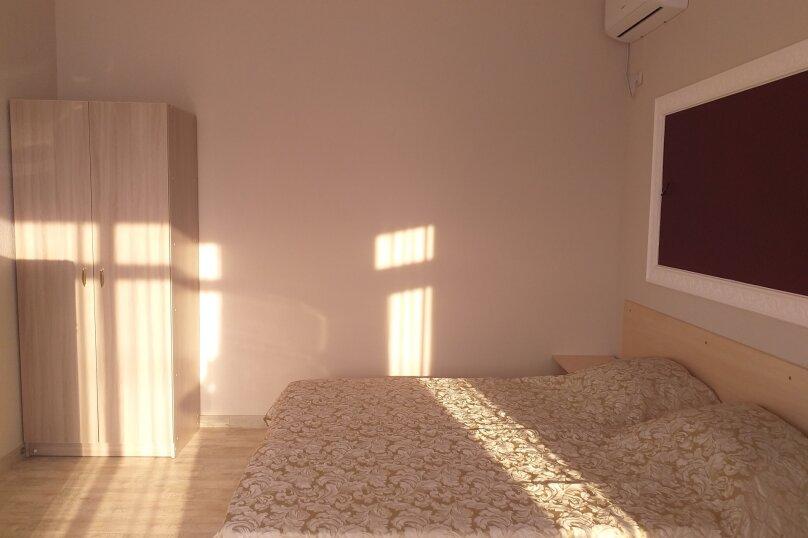 """Гостевой дом """"Александрит"""", Приморский переулок, 12 на 3 комнаты - Фотография 9"""