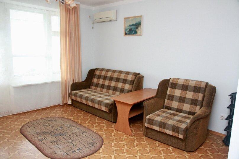 Четырёхместный номер (Комната #3), Судакское шоссе, 4 км, эллинг 31, Алушта - Фотография 1