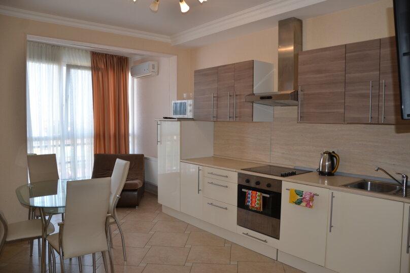 3-комн. квартира, 99 кв.м. на 8 человек, переулок Богдана Хмельницкого, 8, Адлер - Фотография 1