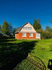 Уютный коттедж у озера с камином и баней - Селигер, 69 кв.м. на 10 человек, 2 спальни, дер. Завирье, Центральная , 60, Осташков - Фотография 1