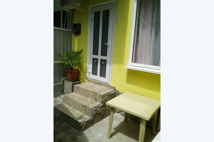 """Домовладение """"Valencia"""", 42 кв.м. на 6 человек, 2 спальни, Краснофлотская улица, 32, Алушта - Фотография 1"""