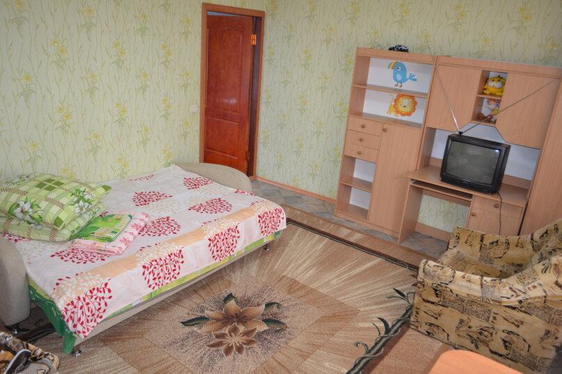 2-х этажный коттедж с двориком, 90 кв.м. на 6 человек, 3 спальни, Речная, 20, Феодосия - Фотография 15