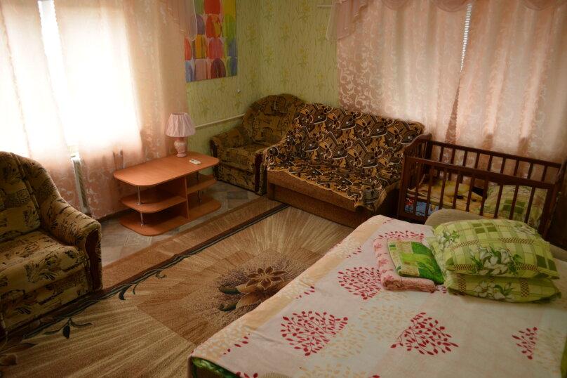 2-х этажный коттедж с двориком, 90 кв.м. на 6 человек, 3 спальни, Речная, 20, Феодосия - Фотография 16