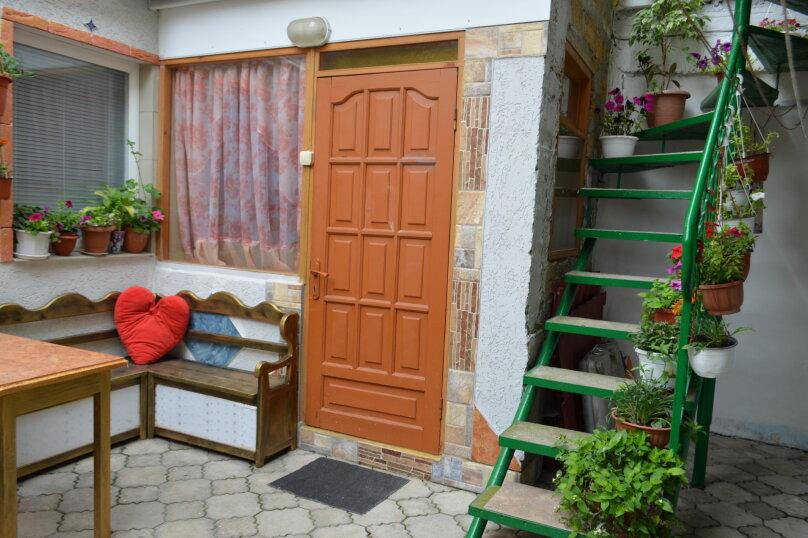 2-х этажный коттедж с двориком, 90 кв.м. на 6 человек, 3 спальни, Речная, 20, Феодосия - Фотография 24