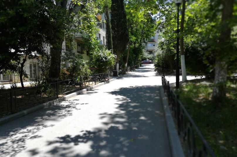 2-комн. квартира, 52 кв.м. на 4 человека, улица Ленина, 41, Алушта - Фотография 1