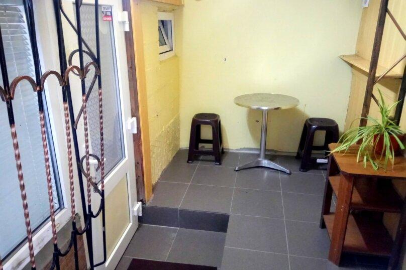 1-комн. квартира, 40 кв.м. на 4 человека, улица Владимира Хромых, 7, Алушта - Фотография 12