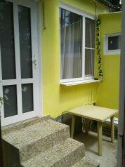 Дом, 42 кв.м. на 6 человек, 2 спальни, Краснофлотская улица, 32, Алушта - Фотография 1