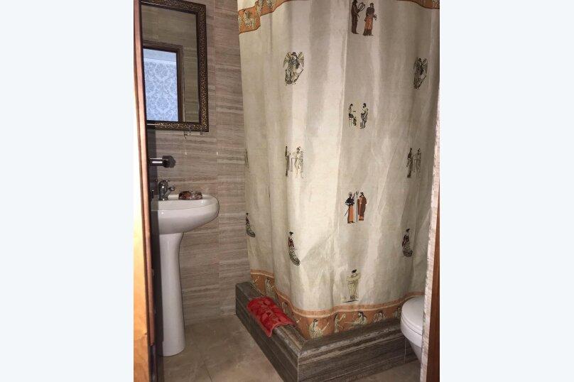 """Гостевой дом """"Анастасия"""", Средняя улица, 4А на 12 комнат - Фотография 23"""