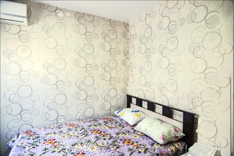 Двухместный номер с 1 кроватью и общей ванной комнатой, улица Кирова, 89, Геленджик - Фотография 1