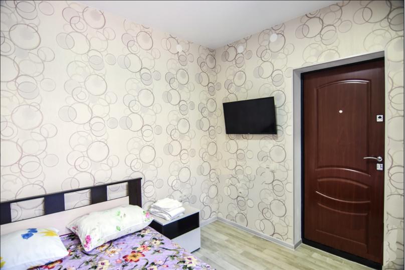 Двухместный номер с 1 кроватью и общей ванной комнатой, улица Кирова, 89, Геленджик - Фотография 2