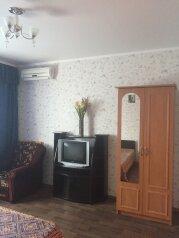 2й этаж дома г.Феодосия, 85 кв.м. на 6 человек, 2 спальни, 2-ой Кочмарский переулок, 15, Феодосия - Фотография 3