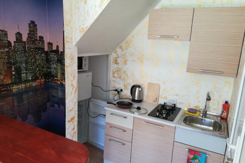 Двух этажный коттедж , 45 кв.м. на 5 человек, 2 спальни, Лучистая, 15, Судак - Фотография 3