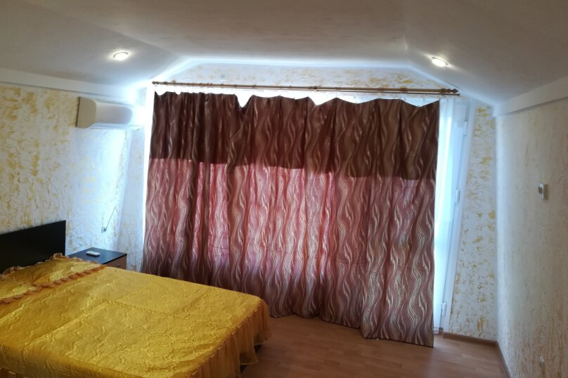 Двух этажный коттедж , 45 кв.м. на 5 человек, 2 спальни, Лучистая, 15, Судак - Фотография 6