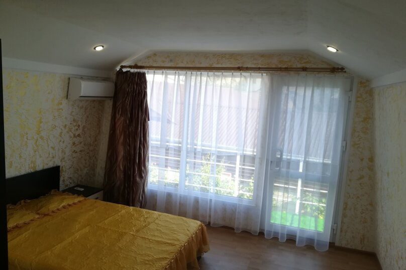 Двух этажный коттедж , 45 кв.м. на 5 человек, 2 спальни, Лучистая, 15, Судак - Фотография 10