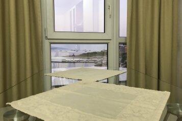 3-комн. квартира, 95 кв.м. на 5 человек, улица Толстого, 3, Новороссийск - Фотография 2