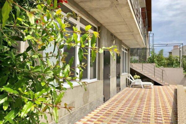 Гостевой дом, улица Мориса Тореза, 37 на 2 номера - Фотография 1