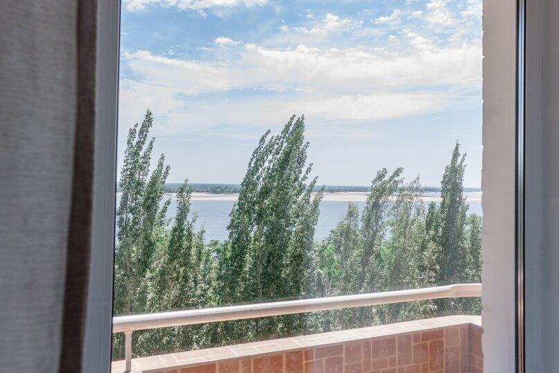 2-комн. квартира, 70 кв.м. на 4 человека, Чуйкова, 37, Волгоград - Фотография 10