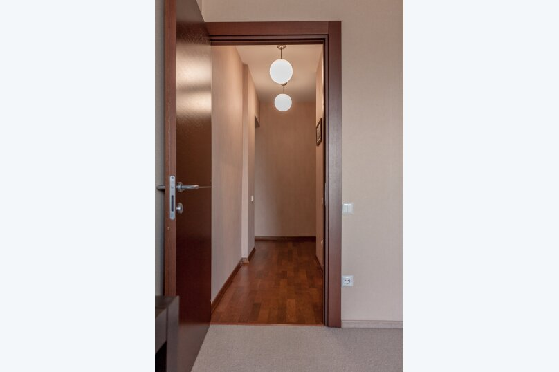 2-комн. квартира, 70 кв.м. на 4 человека, Чуйкова, 37, Волгоград - Фотография 13