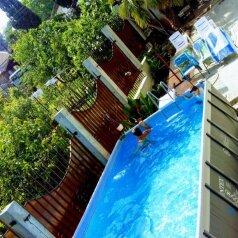 Коттедж с удобствами и басейном, улица Восстания, 10 на 4 комнаты - Фотография 1