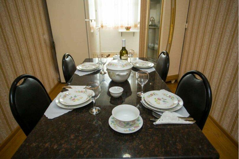 3-комн. квартира, 100 кв.м. на 6 человек, улица Иусуфа Кобаладзе, 8, Батуми - Фотография 7