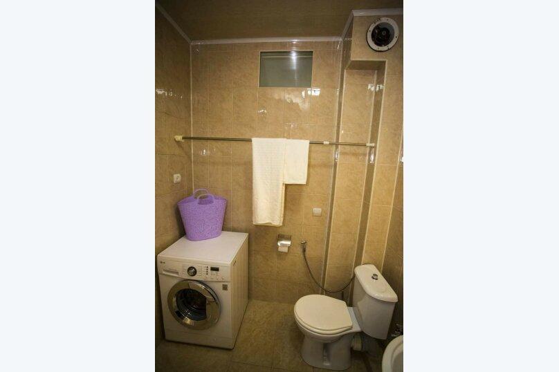 3-комн. квартира, 100 кв.м. на 6 человек, улица Иусуфа Кобаладзе, 8, Батуми - Фотография 14