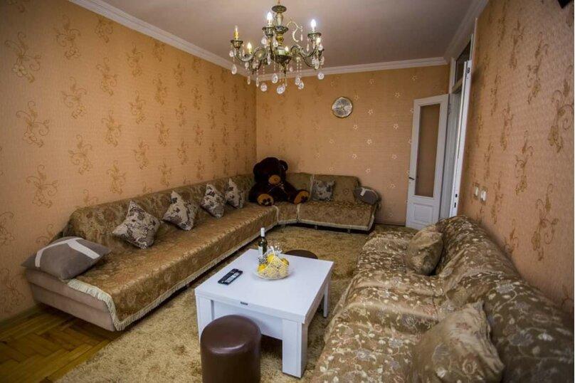 3-комн. квартира, 100 кв.м. на 6 человек, улица Иусуфа Кобаладзе, 8, Батуми - Фотография 16