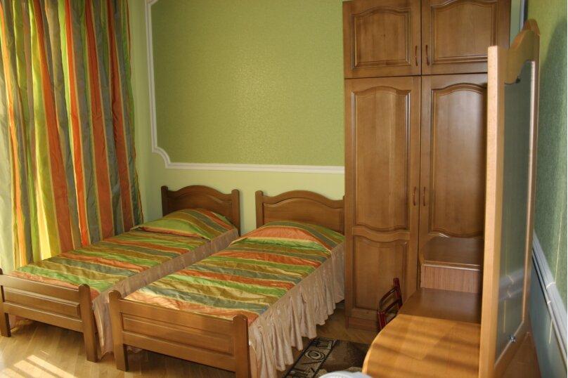 Зеленый номер, улица Белинского, 12, Лазаревское - Фотография 1