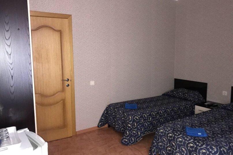 """Гостевой дом """"Анастасия"""", Средняя улица, 4А на 12 комнат - Фотография 17"""