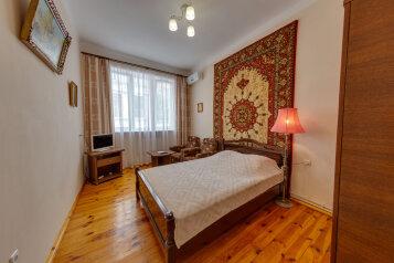 2-комн. квартира, 37.8 кв.м. на 4 человека, улица Дражинского, 21, Ялта - Фотография 1