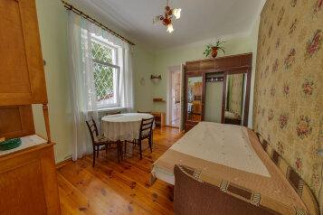 2-комн. квартира, 37.8 кв.м. на 4 человека, улица Дражинского, 21, Ялта - Фотография 2