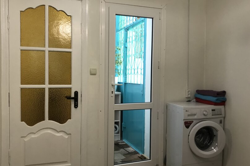 2-комн. квартира, 50 кв.м. на 5 человек, улица Горького, 5, Алушта - Фотография 7