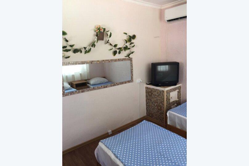Домик с двориком, 35 кв.м. на 4 человека, 2 спальни, Курзальная улица, 40, Геленджик - Фотография 6