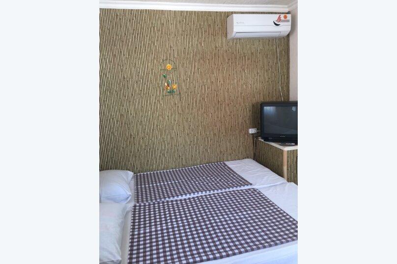 Домик с двориком, 35 кв.м. на 4 человека, 2 спальни, Курзальная улица, 40, Геленджик - Фотография 9