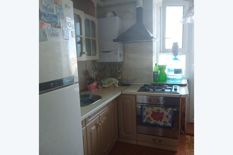 2-комн. квартира, 45 кв.м. на 7 человек, улица Гайдара, 60, Евпатория - Фотография 1