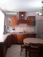 Уютный двухкомнатный домик, 50 кв.м. на 4 человека, 2 спальни, улица Пономарёвой, 7, Феодосия - Фотография 1