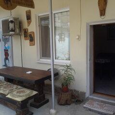 Уютный двухкомнатный домик, 50 кв.м. на 4 человека, 2 спальни, улица Пономарёвой, 7, Феодосия - Фотография 2