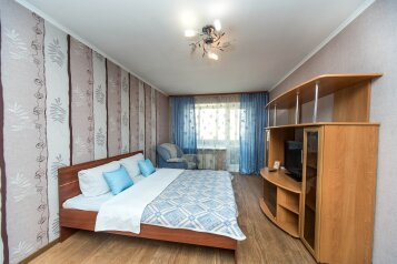 1-комн. квартира, 32 кв.м. на 2 человека, улица Декабристов, 5, Красноярск - Фотография 1