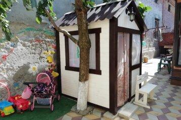 Гостевой дом  , Нижнесадовая, 282/2 на 2 номера - Фотография 1