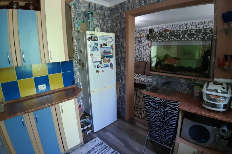 3-комн. квартира, 60 кв.м. на 6 человек, улица Октябрьская, 201, Ейск - Фотография 9