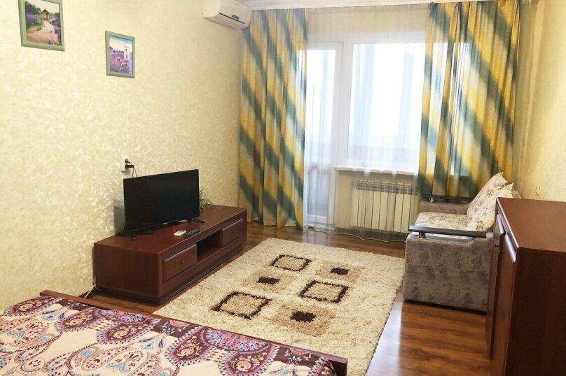 1-комн. квартира, 35 кв.м. на 3 человека, улица Лермонтова, 5, Симферополь - Фотография 1