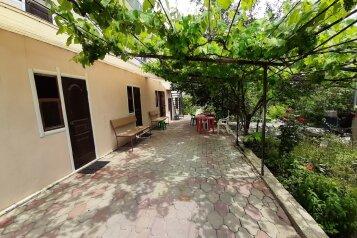Комнаты в летнем коттедже, Виноградная улица, 2 на 7 комнат - Фотография 1
