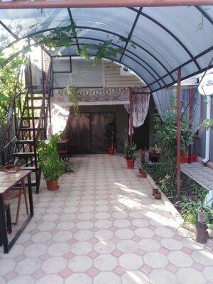 Дом, 80 кв.м. на 11 человек, 4 спальни, улица Свердлова, 197, Ейск - Фотография 1