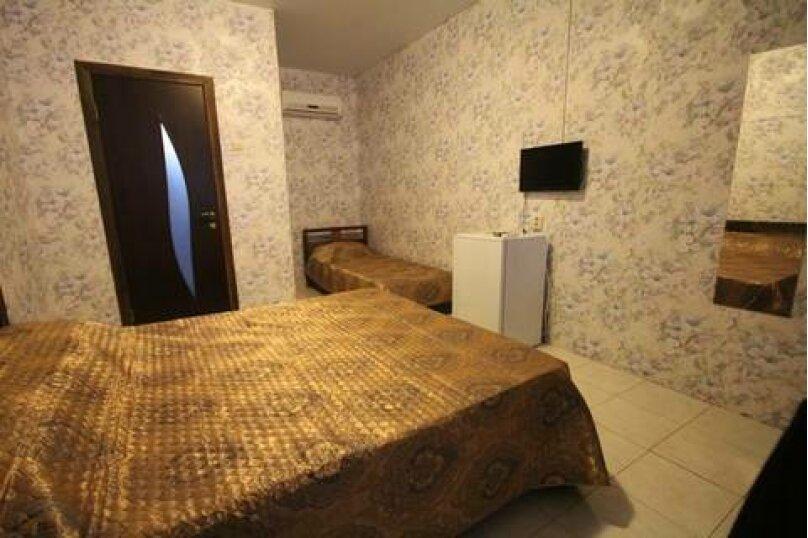 Комфорт 3х местный 2 этаж, Базарный переулок, 7, Архипо-Осиповка - Фотография 1