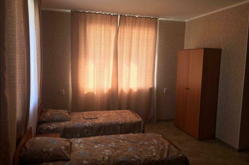 4-х местный номер на 2 этаже дома, Курортная улица, 11, Оленевка - Фотография 1