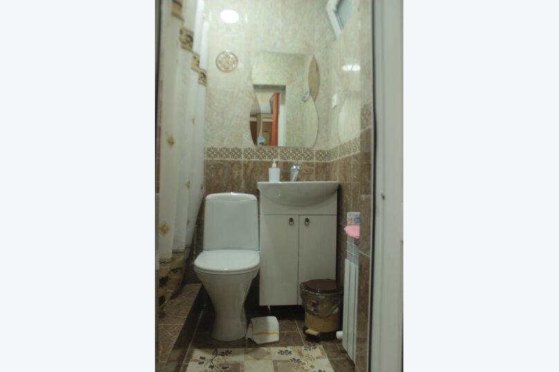 3-хместный номер с общим балконом на 1-ом этаже (в номере душ, туалет, кондиционер, телевизор, холодильник), улица Ленина, 221/12, Адлер - Фотография 65