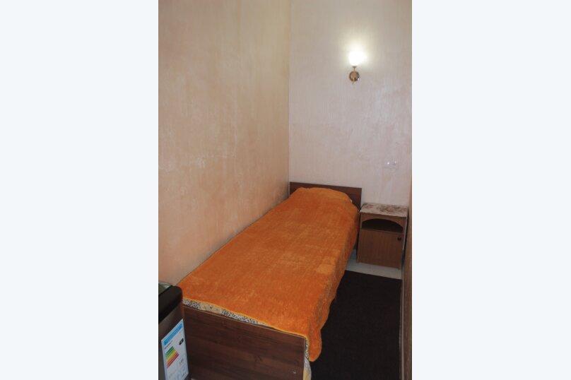 3-хместный номер с общим балконом на 1-ом этаже (в номере душ, туалет, кондиционер, телевизор, холодильник), улица Ленина, 221/12, Адлер - Фотография 70