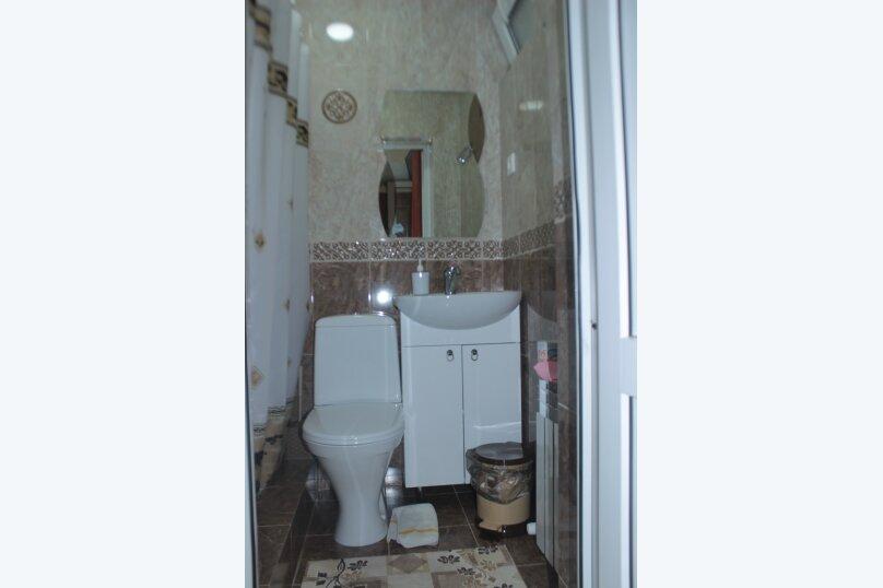 3-хместный номер с общим балконом на 1-ом этаже (в номере душ, туалет, кондиционер, телевизор, холодильник), улица Ленина, 221/12, Адлер - Фотография 76