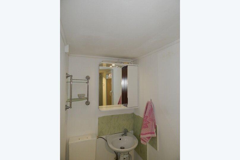 Дом 2 спальни второй этаж отдельный вход, 70 кв.м. на 6 человек, 2 спальни, улица Пуцатова, 10, Алушта - Фотография 11