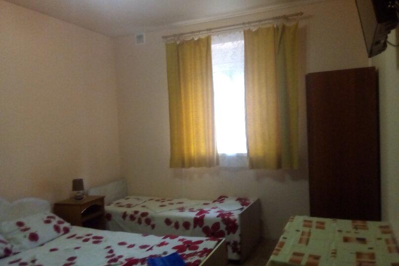 Жилое помещение на 5-6 человек - 2 изолированные комнаты, улица Пролетарская, 95, Кабардинка - Фотография 1